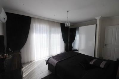 12b--master-bedroom_resize