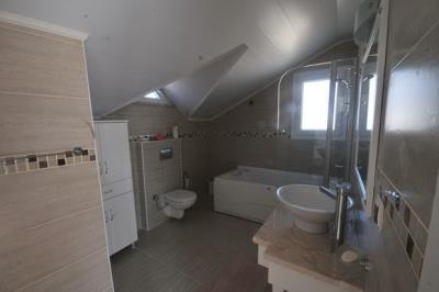 19--bedroom-four-ensuite_resize