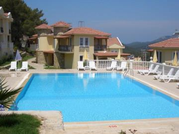 14--second-or-top-pool-with-villa-below