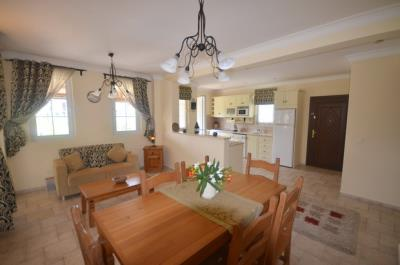 22--dining-area-kitchen-and-second-seating-area_resize