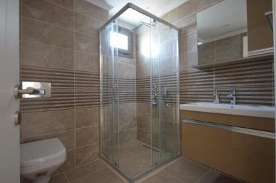 15--ensuite-bathroom_resize