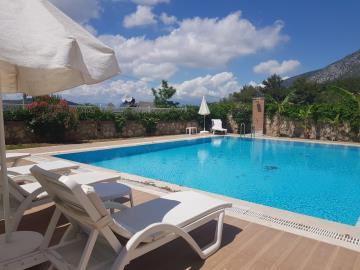15--private-pool
