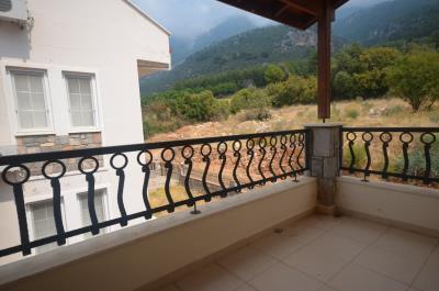 14--side-terrace-first-floor