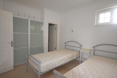 24--lg-bedroom-four