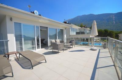 4--fabulous-roof-terrace