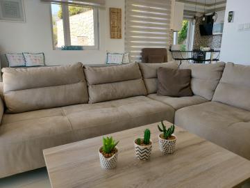 8b--lounge