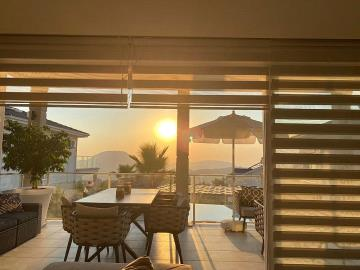 9e--balcony-sunset