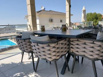 9c--dining-terrace