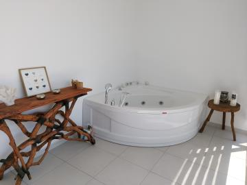 13a--jacuzzi-in-master