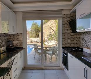 7--kitchen-to-bbq-terrace-