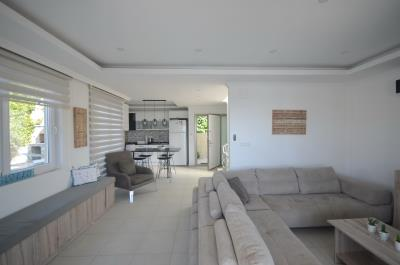8--lounge