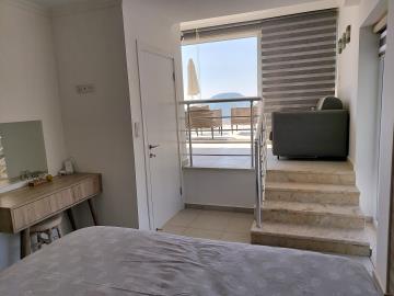 11b--master-bedroom