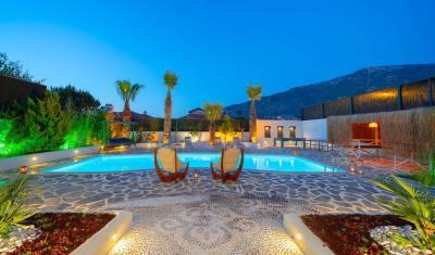3--private-pool