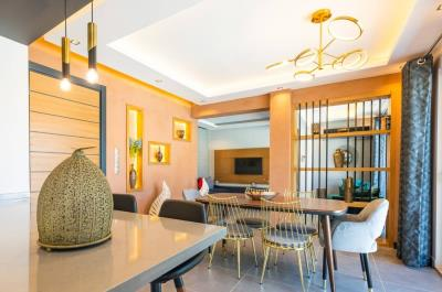 7--kitchen-to-dining