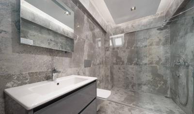14--bathroom-2