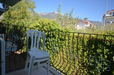 10--lounge-balcony