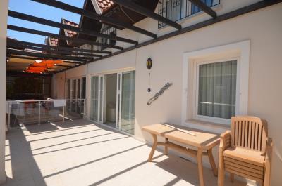 8--louinge-terrace