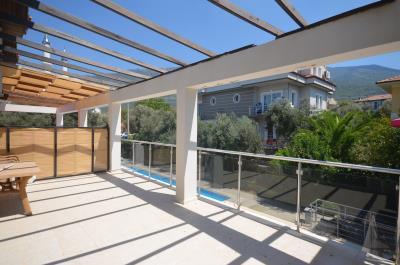 8a--lounge-terrace