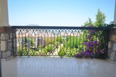 16--bedroom-balcony