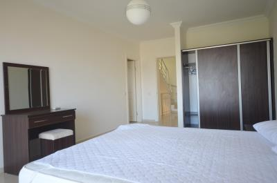 17a--bedroom-one-with-ensuite