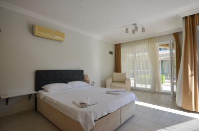 5--bedroom-area