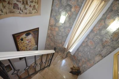 20a--marble-stairs