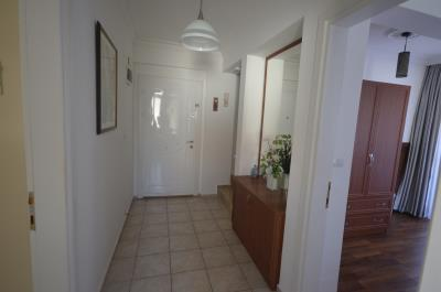 12--entrance-door-and-hallway