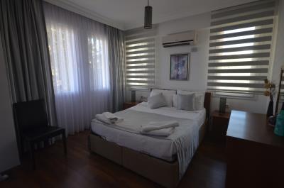 17--bedroom-one-first-floor