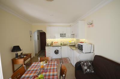 8--kitchen-dining-lounge