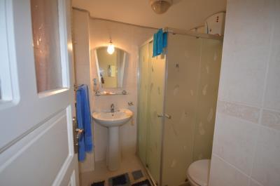 11--modern-bathroom