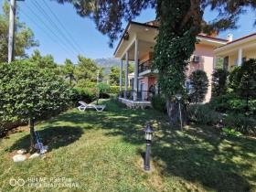 Image No.24-4 Bed Villa / Detached for sale