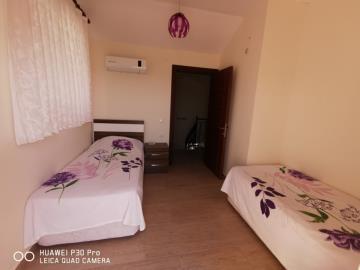 second-upper-bedroom