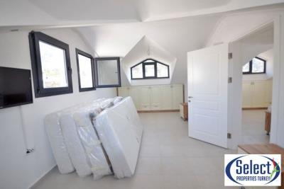 17--bedroom-three-second-floor