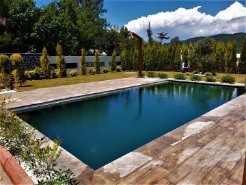 1b--private-pool