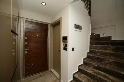 5a--entrance
