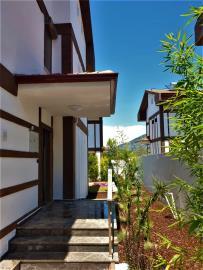 4--entrance-porch
