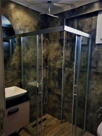 12b--ensuite-bathroom