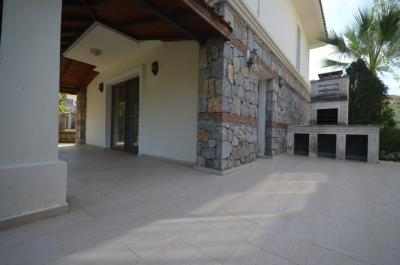 8a--balcony-terrace_resize