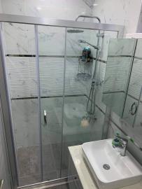 6--bathroom-one-on-living-level