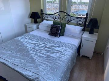 7b--bedroom-one