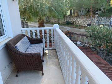 9b--bedroom-balcony