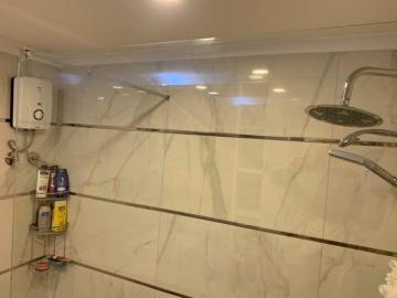 14a--apartment-bathroom