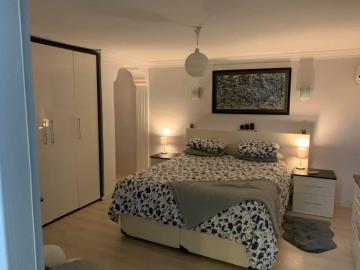 13a--apartment-bedroom