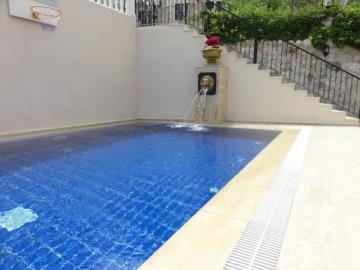 17a--private-pool