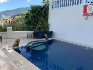 17--private-pool