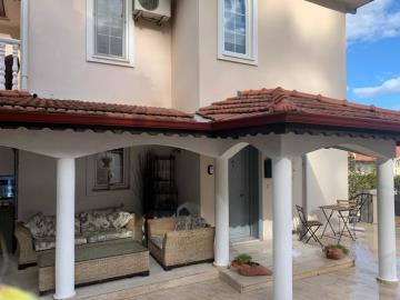 20--poolside-terrace