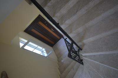 14--marble-stairs_resize