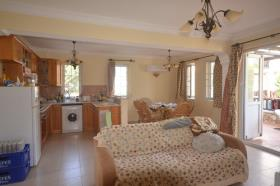 Image No.22-5 Bed Townhouse for sale