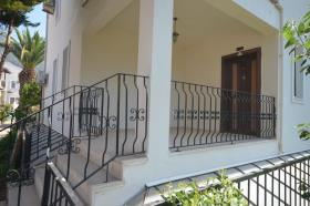Image No.26-5 Bed Townhouse for sale