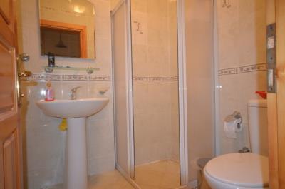 23--family-bathroom-lower-ground-floor_resize